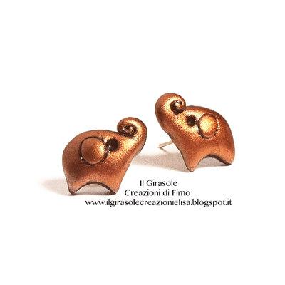 Orecchini a perno con elefante in fimo color bronzo