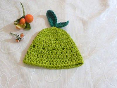 Cappellino mela verde bambini realizzato ad uncinetto in lana