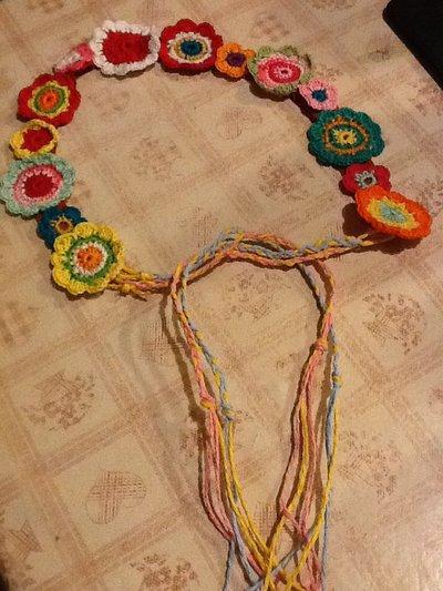 Cintura ragazza floreale