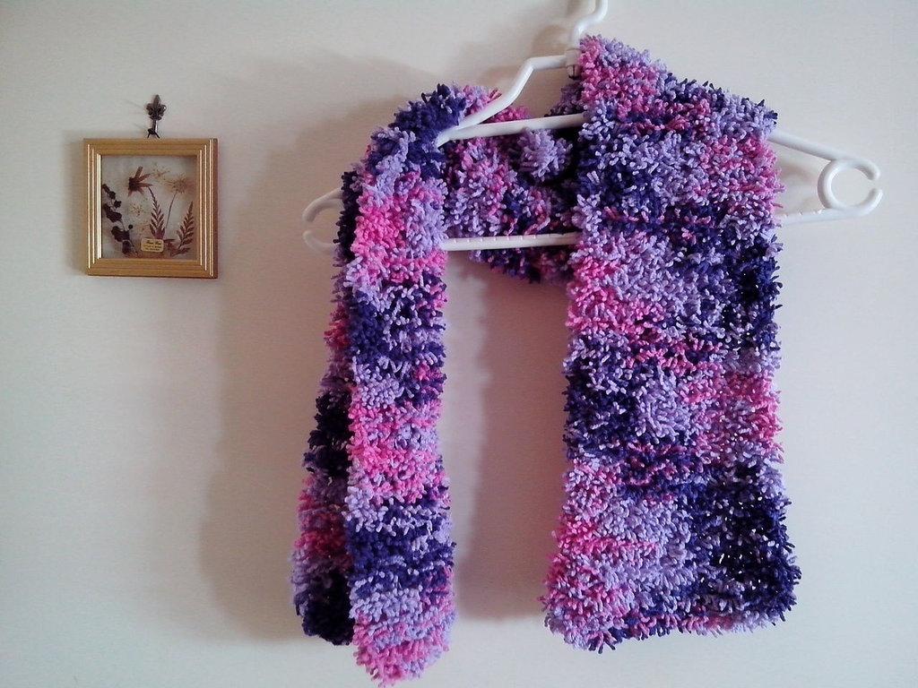 Sciarpa effetto pelliccia, fatta ai ferri, ragazze, donne, autunnoinverno, melange fucsia viola