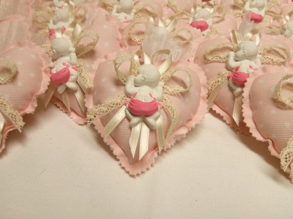 BOMBONIERA BATTESIMO/NASCITA cuore stoffa con gessetto profumato e confetti