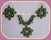 orecchini e collana chiaccherino con perle e cristalli