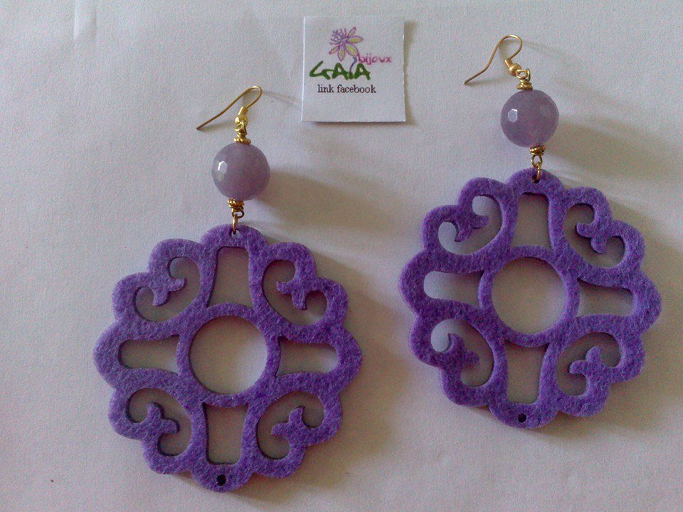 Orecchini viola in feltro ed agata