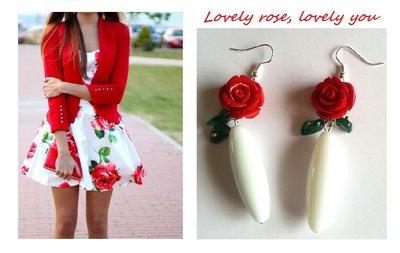"Orecchini ""Red roses"" con agata bianca e rose rosse"