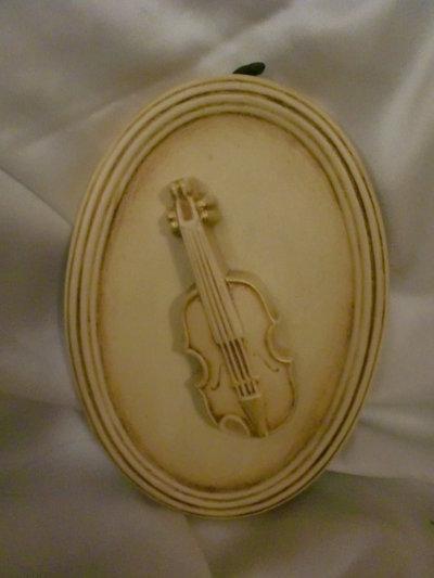 Quadretto shabby chic con violino.