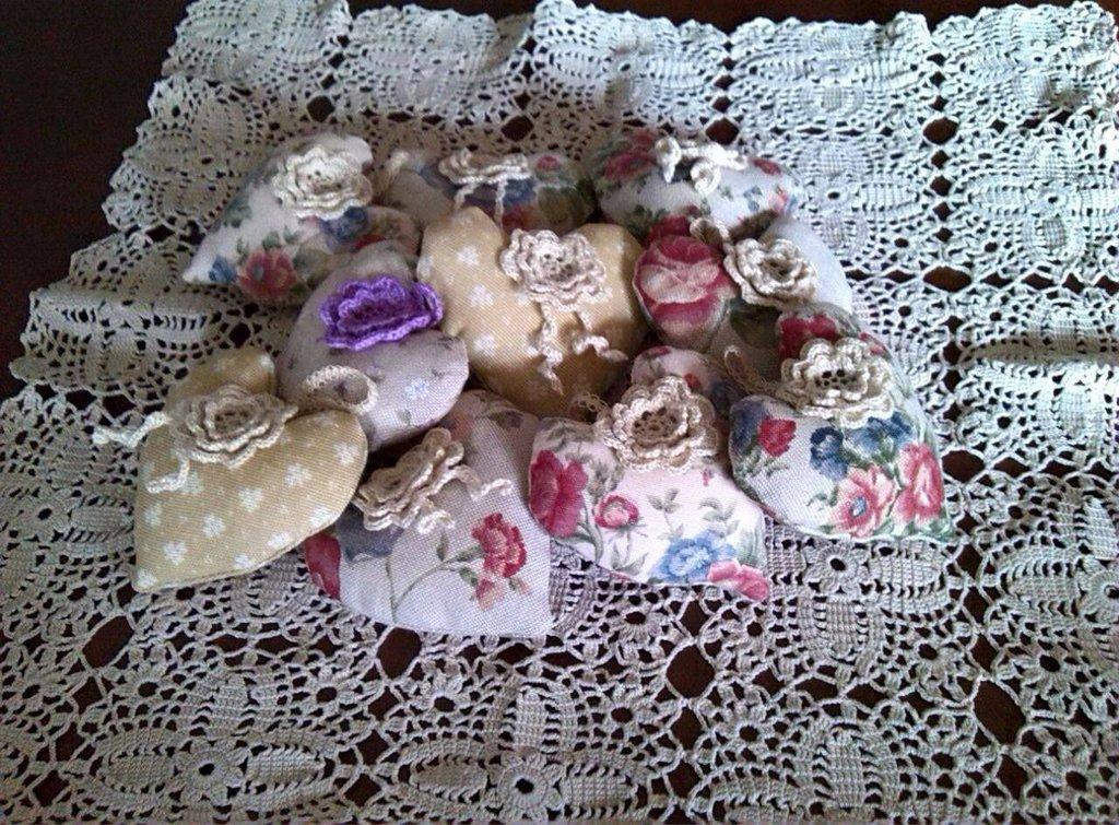 Cuori di stoffa con rose d'Irlanda in puro cotone