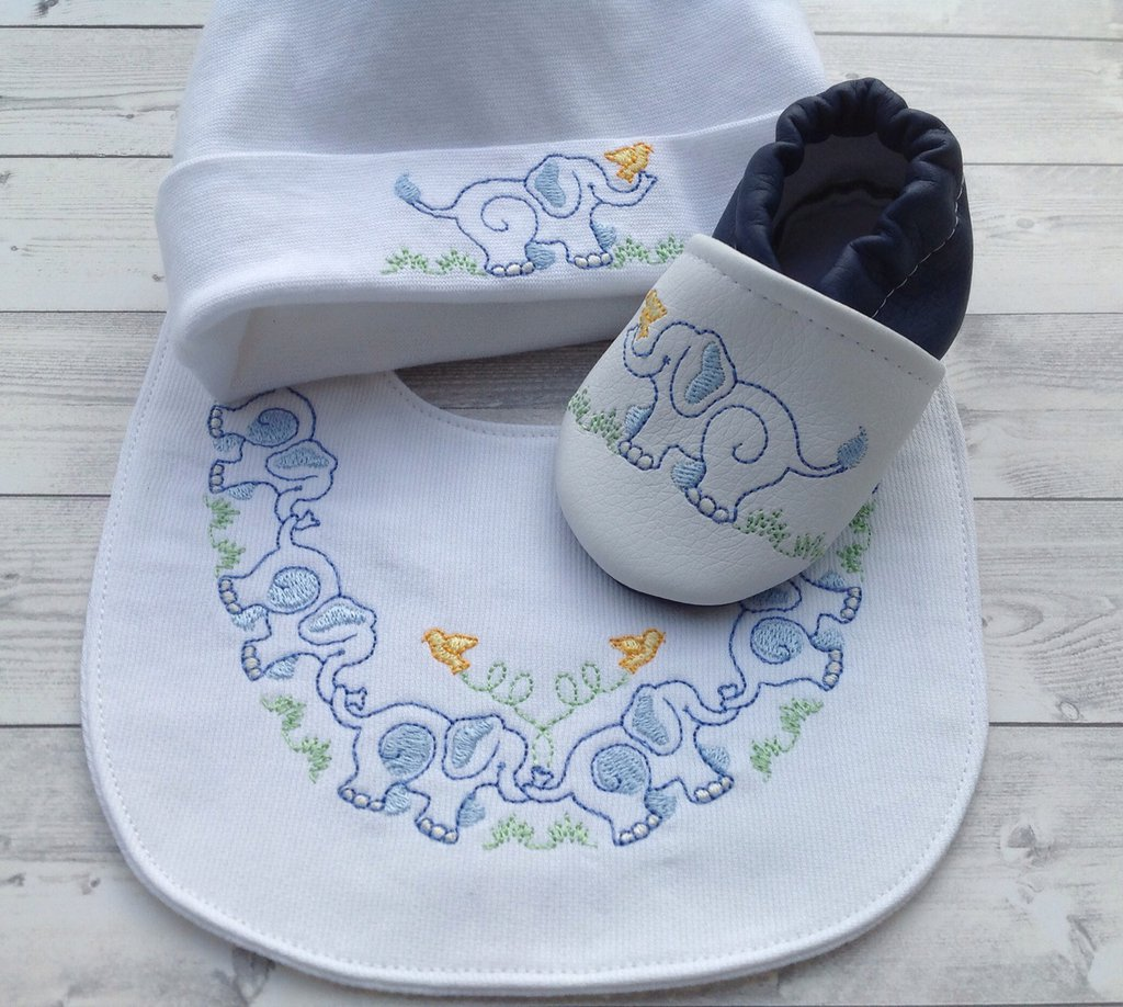 Set bavaglia, scarpine e cappellino Elefantino - Bimbo 0-3 mesi