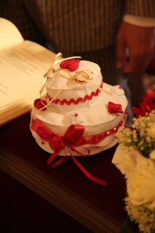 Torta nuziale in pannolenci - portafedi