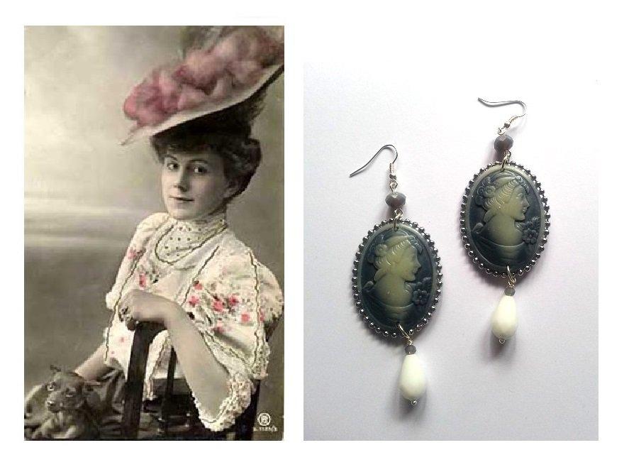"""Orecchini """"Cameo lady"""" stile vittoriano con swarovski grigio e goccia vetro bianca"""