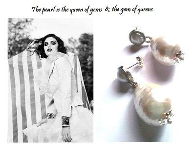 """Orecchini """"Double pearls"""" con perle barocche bianche"""