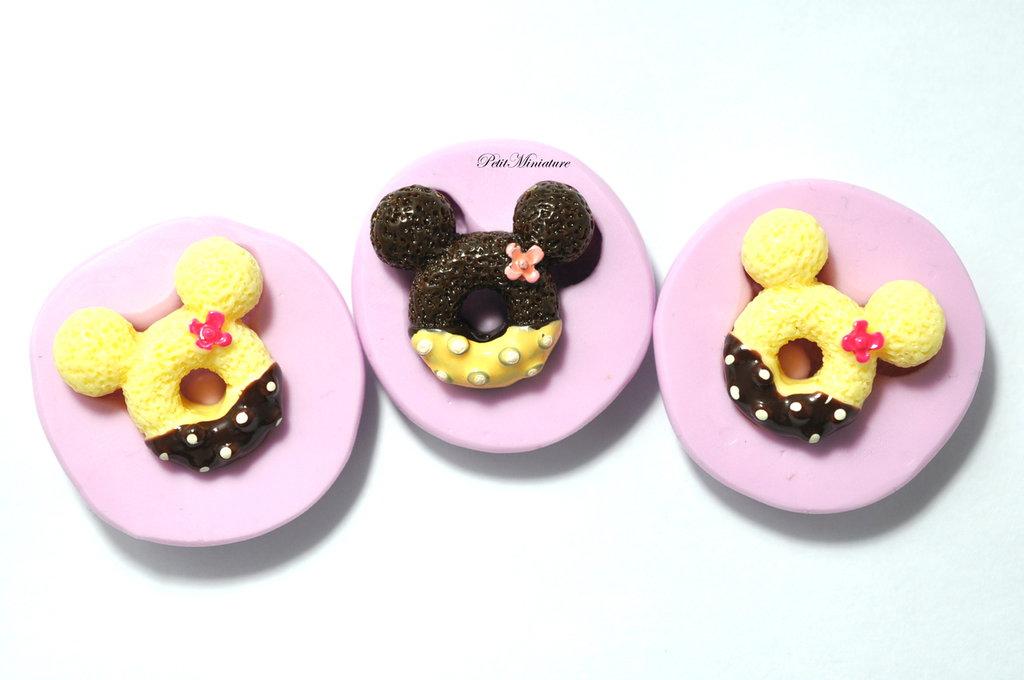 STAMPO CIAMBELLA in silicone flessibile  stampo dolci dollhouse fimo gioielli charms cabochon cibo in miniatura kawaii st096