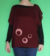 maglia in cotone con decorazioni ricamate a mano