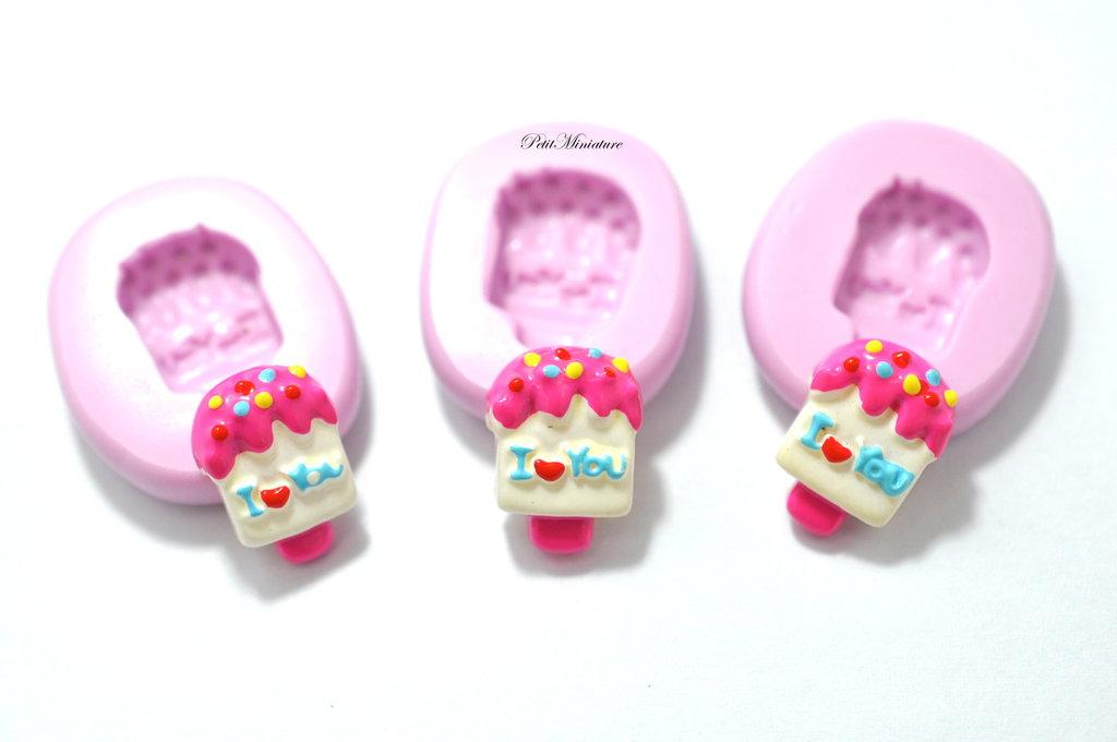 Stampo Silicone Flessibile cono gelato,Miniature cibo,gioielli,charms,gelato,fimo,polymer clay,resina,sapone,dolce,20mm ST114