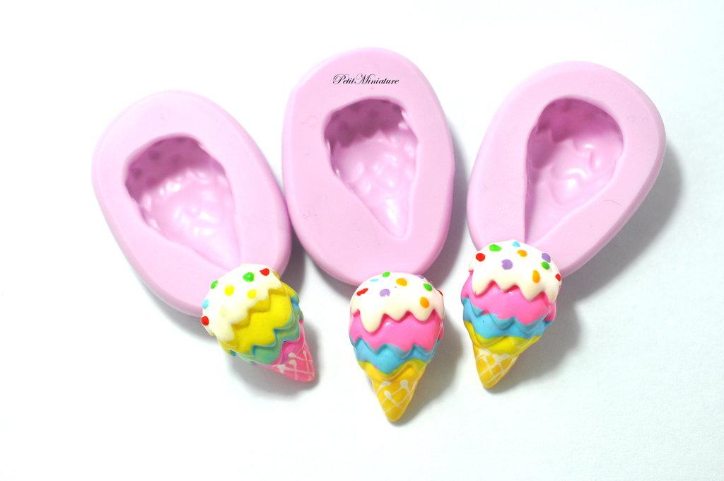 Stampo Silicone Flessibile cono gelato,Miniature cibo,gioielli,charms,gelato,fimo,polymer clay,resina,sapone,dolce,20mm ST117