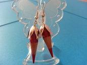 orecchini pendenti con punta delle matite colorate