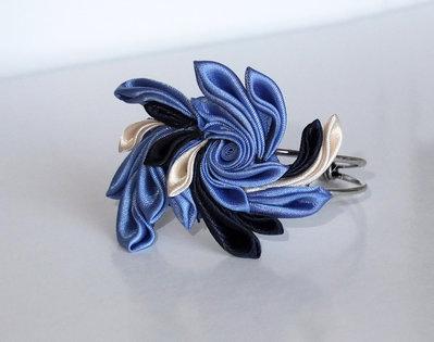 Braccialetto kanzashi colore blu azzurro avorio