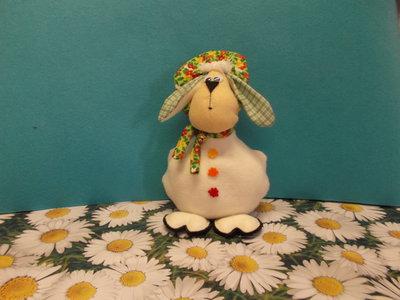 Pecorella fermaporta in pannolenci e stoffa