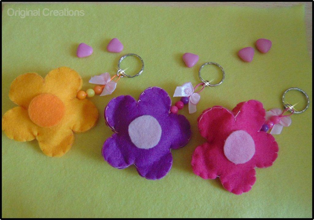 Bomboniera in feltro a forma di fiore