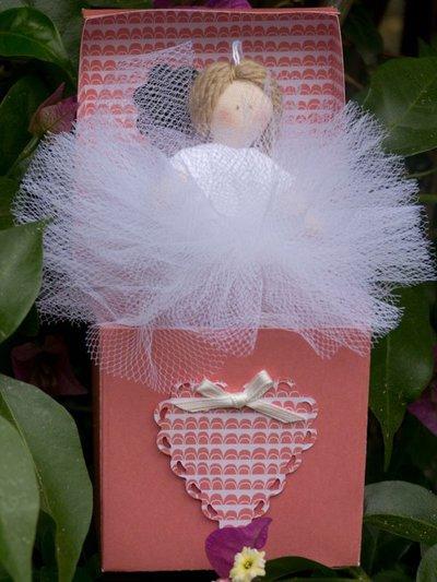 Ballerina in miniatura completa di scatolina