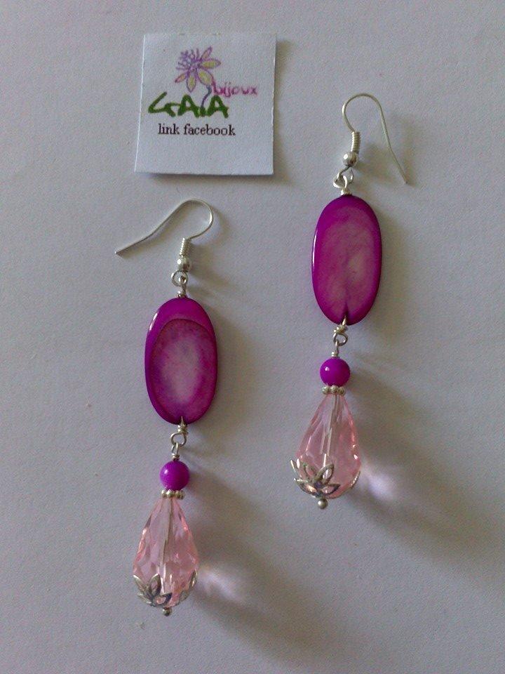 Orecchini rosa e viola con madreperla ovale e goccia in acrilico