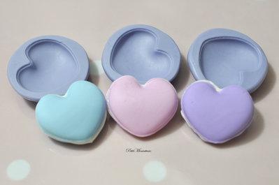 Stampo Silicone Flessibile cuore macaron,Miniature cibo,gioielli,charms,macaron,fimo,polymer clay,resina,sapone,dolce,20mm,Parigi ST161