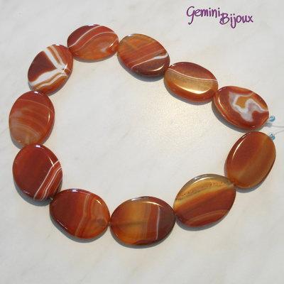 Pietra ovale di agata striata arancio, mm. 25x35