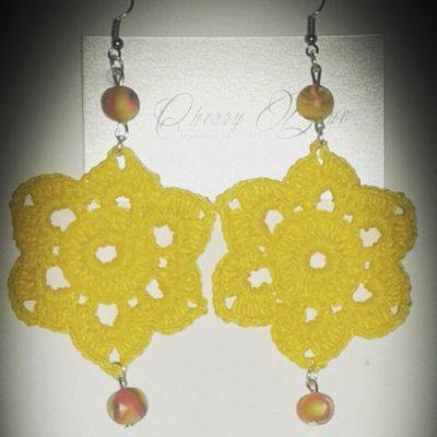 Orecchini gialli con pietre in fimo
