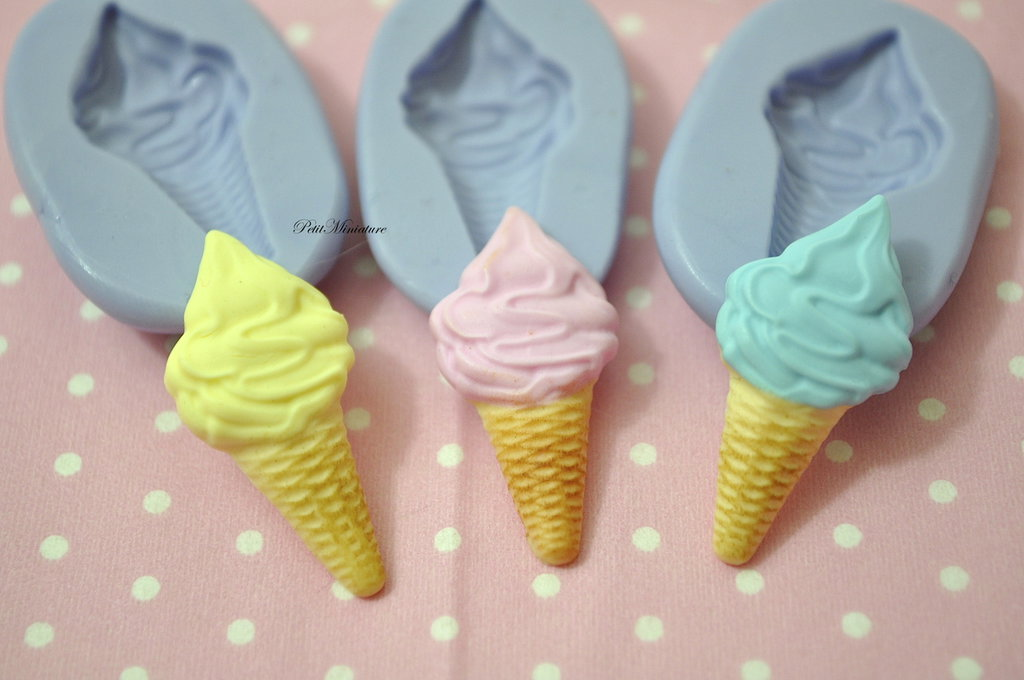 STAMPO GELATO 3,0 cm silicone flessibile 3d Gelato miniature dollhouse charm kawaii fimo gioielli sapone resina gesso ST174