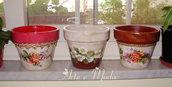 Vasi dipinti con soggetti floreali