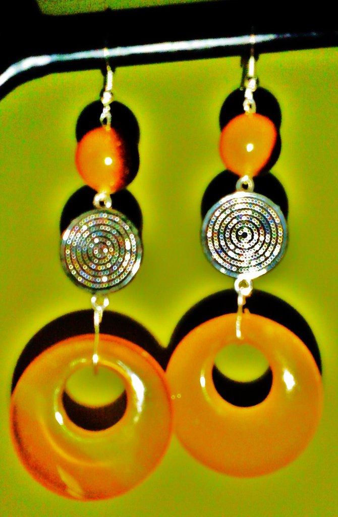 Orecchini in ambra e metallo