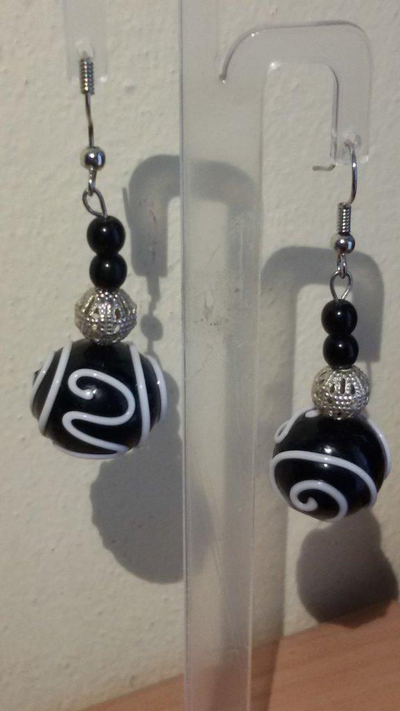 orecchini pendenti con pietre di murano