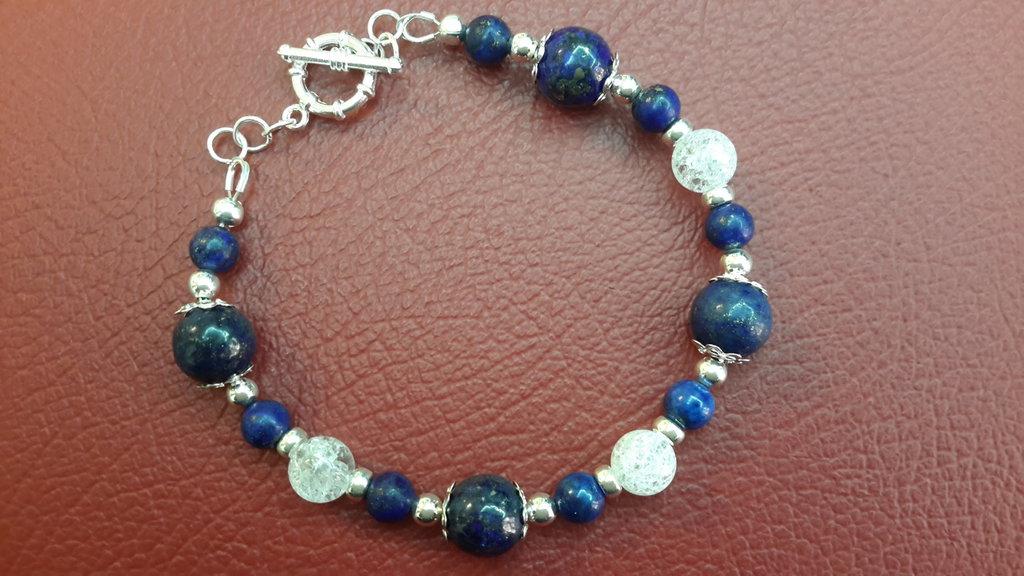 Bracciale  con pietre dure vere, Lapislazzuli, cristallo  di rocca cracked, chiusura a t