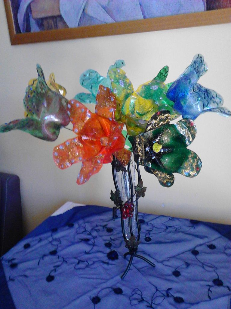 Bouquet di 4 fiori variopinti fatti a mano