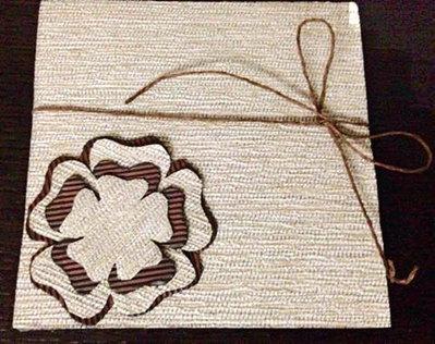 Invito/ partecipazione per matrimonio in carta/tessuto e cartone ondulato in stile shabby chic