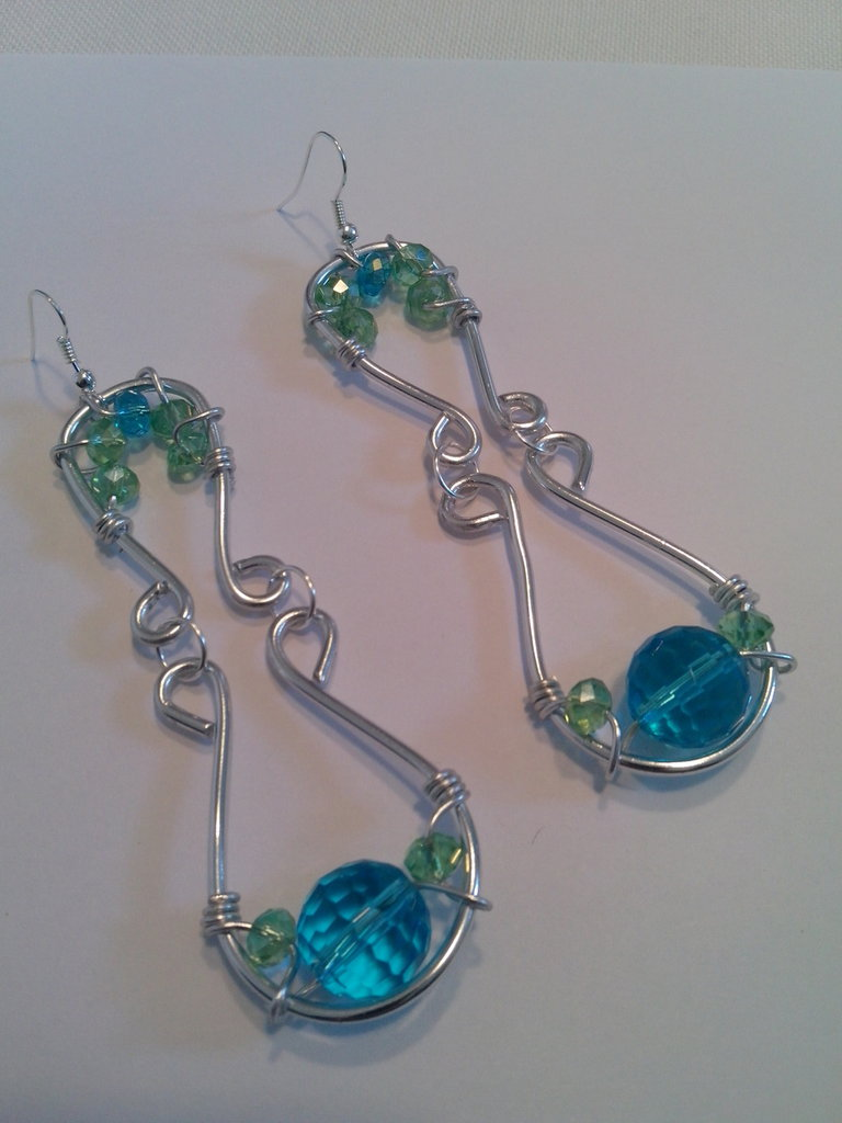 orecchini pendenti wire con cristalli