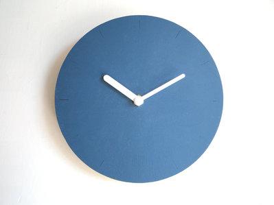 Baua, orologio da muro dal design minimale