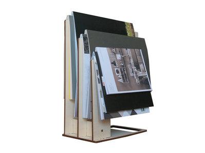 Trelle portariviste minimal design in legno per la casa for Oggetti minimal