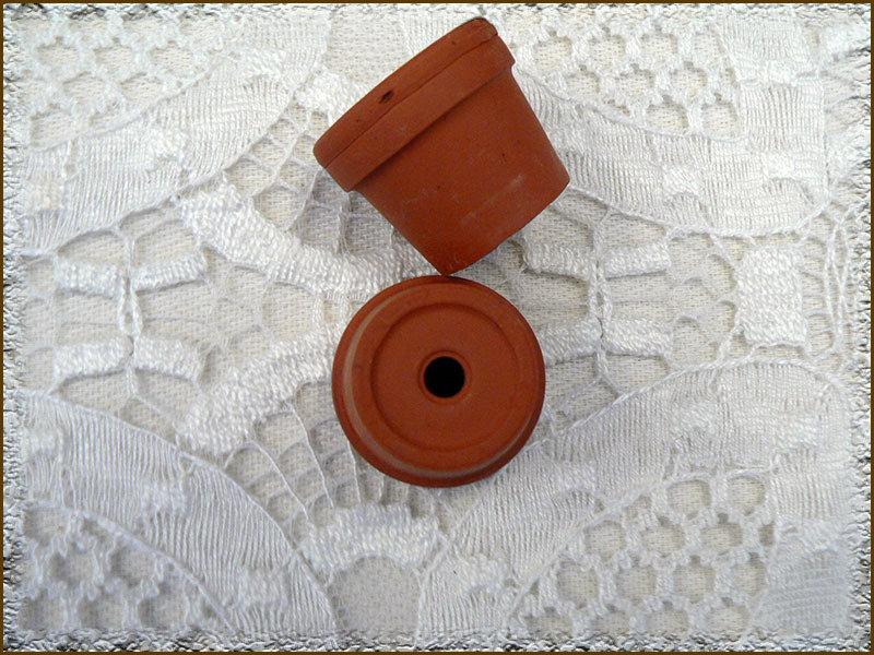 Mini vasetti in terracotta.