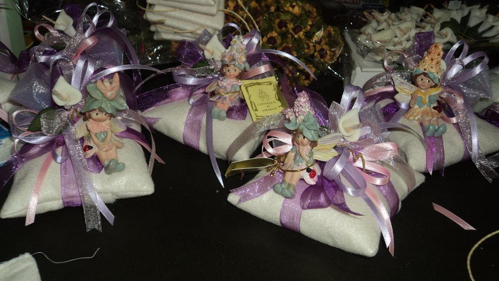 Stock 24 pezzi idea bomboniera con fatina cuscino artigianale personalizzabile CON CONFETTI