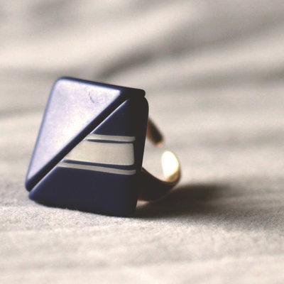 A.7.2015 - anello blu regolabile con bottone vintage
