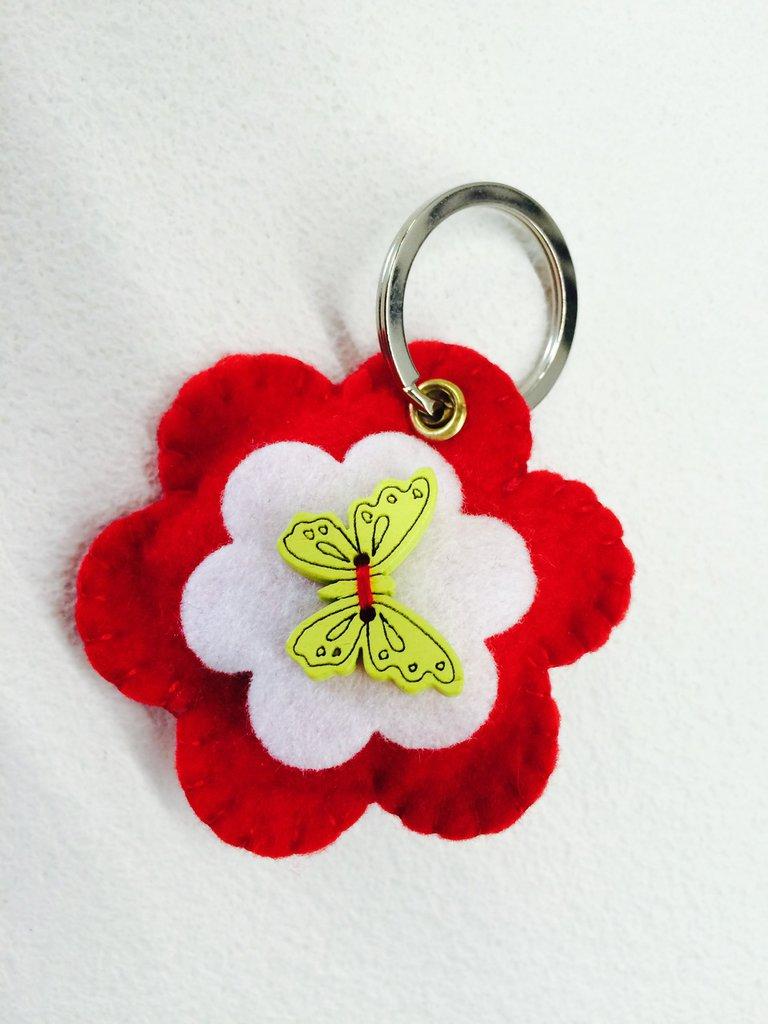 Portachiavi fiore farfalla