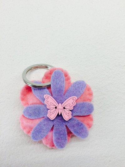 Portachiave fiore e farfalla
