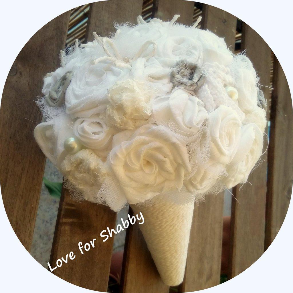bouquet in tessuto...lino grezzo cotone e velo