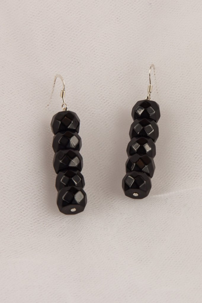 Orecchini in onice nero sfaccettato fatti a mano - earrings black onyx faceted handmade.
