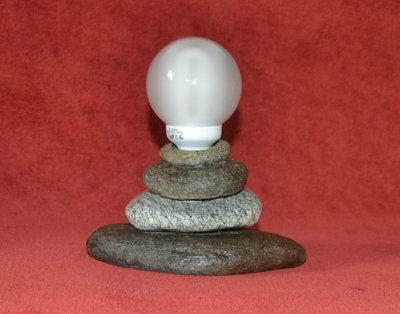 "Abat-Jour di pietra "" Piramide"" - Provenienza geografica 46.361773, 10.355451"