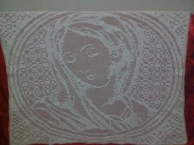 quadro all'uncinetto con la Madonna