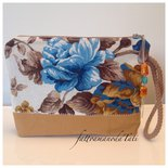 Pochette in cotone fantasia floreale sui toni dei marron ,senape ed azzurro