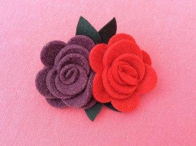 Spilla fiore feltro