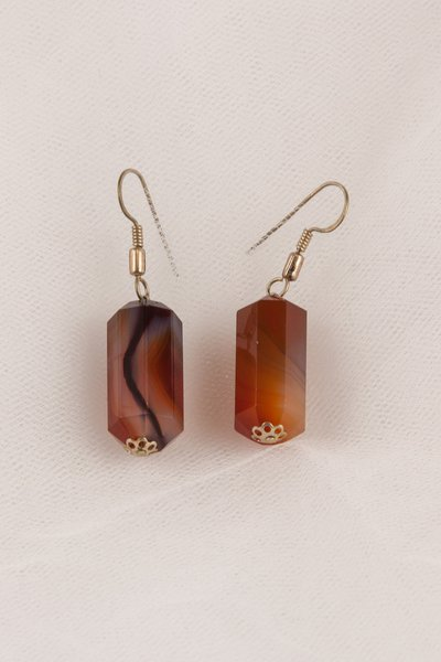 Orecchini in corniola tagliata a cilindro -earrings carnelian cut cylinder.