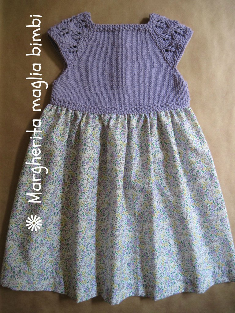 Abito bimba color lavanda con sprone in cotone biologico lavorato a maglia